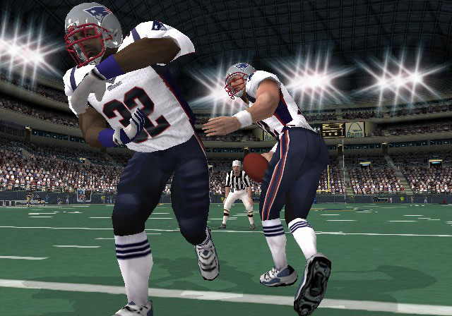 NFL GameDay 2003 Screenshot #2 for PS2