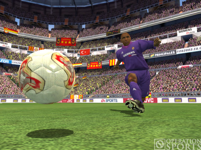 FIFA Soccer 2003 Screenshot #2 for Xbox