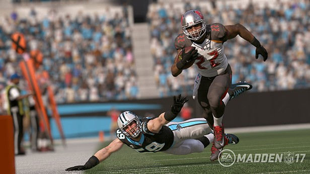 Madden NFL 17 Screenshot #4 for PS4