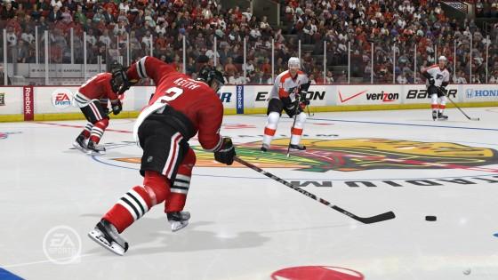 защитник, кто не боится идти вперед при стремительной контратаке - NHL 12