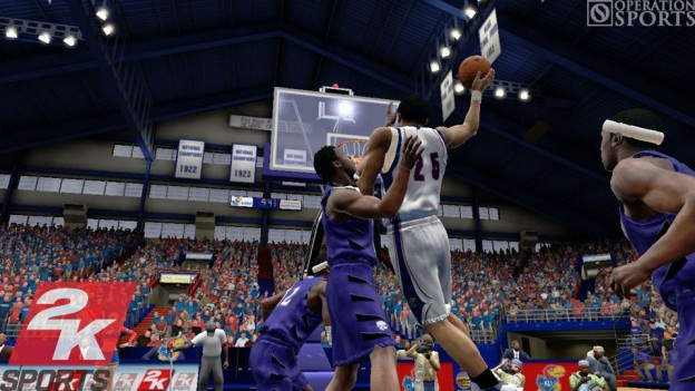 College Hoops 2K8 Screenshot #6 for Xbox 360